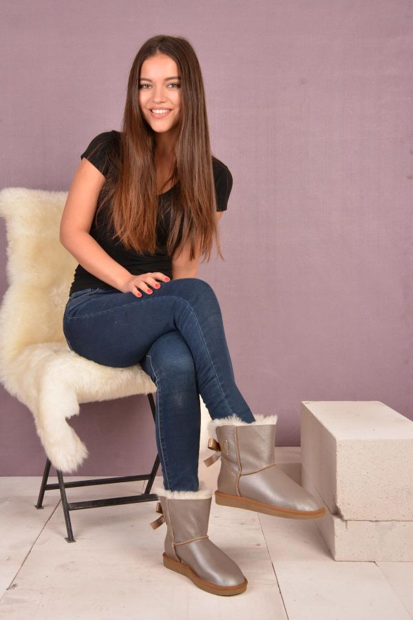 Pegia Short Women Uggs From Genuine Fur Decorated With Bow Sand-colored