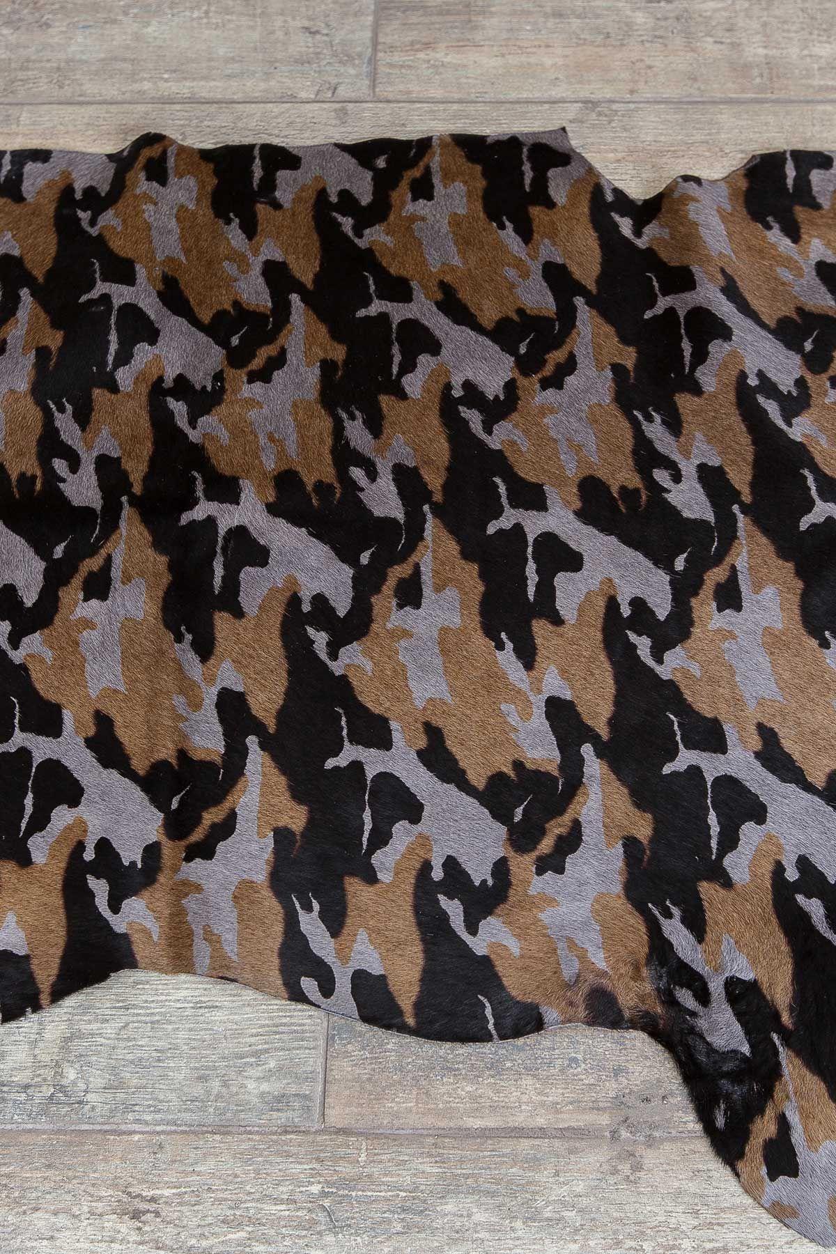 Erdogan Deri Decorative Calfskin Rug With Camouflage Pattern Gray
