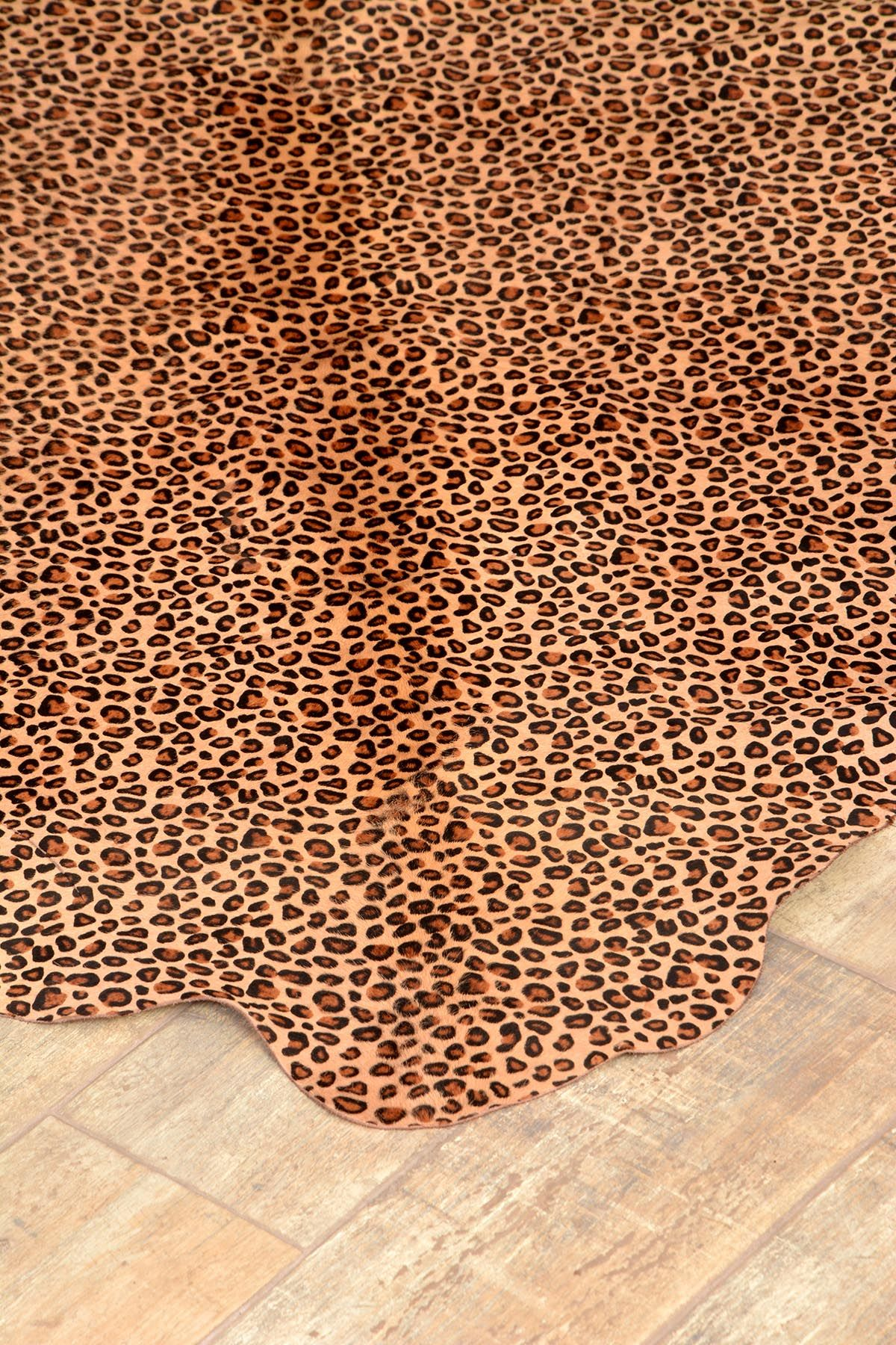 Erdogan Deri Calfskin Rug With Leopard Pattern Brown