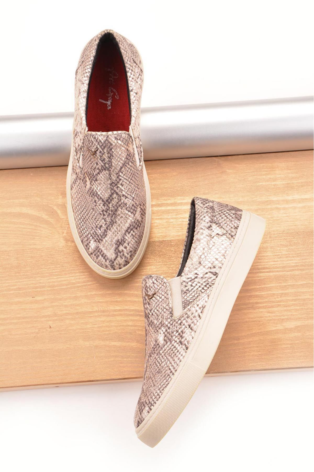 Art Goya Hakiki Deri Yılan Desenli Bayan Sneaker  Bej